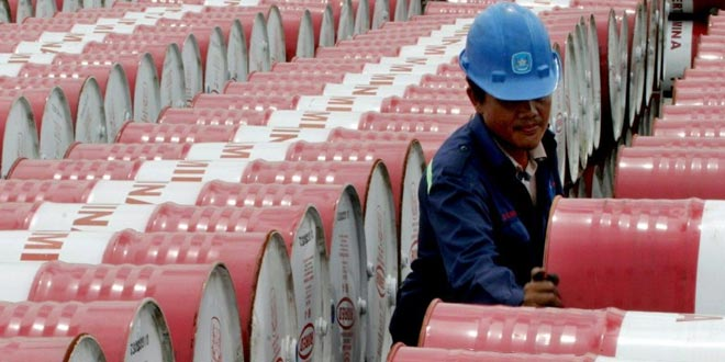 Nuovi ribassi per il prezzo del petrolio. Cosa aspettarsi?
